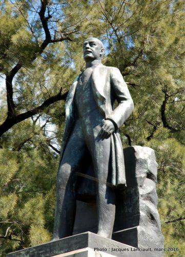 Luis Maria Drago, plaza Jardines de Invierno, Parlermo, Buenos Aires, Argentine