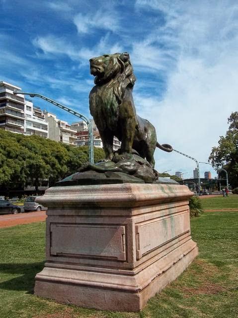 León con su caza, parque tres de Febrero, Parlermo, Buenos Aires, Argentine