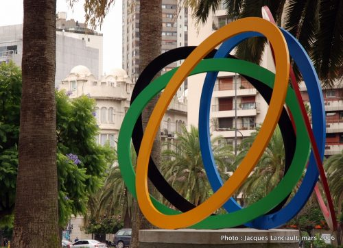 Energía olímpica, plaza Pierre de Coubertin, quartier Retiro, Buenos Aires, Argentine