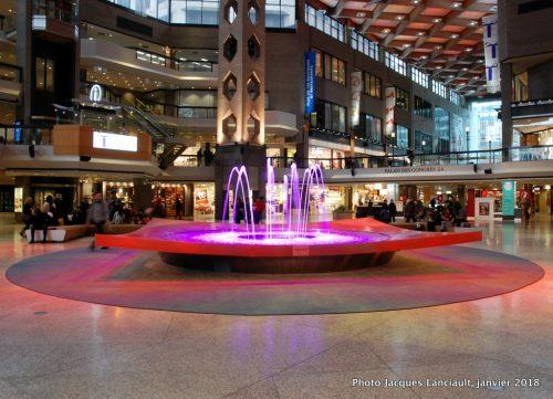Fontaine du Complexe Desjardins, Montréal, Québec