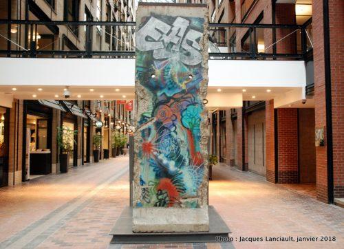Segment du Mur de Berlin, Montréal, Québec