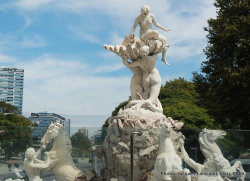 Fuente monumental Las Nereidas, quartier Puerto Madero, Buenos Aires, Argentine