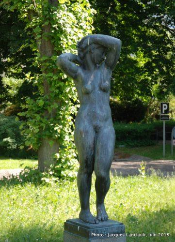 Vågnende kvinde, Hôtel de Ville, Aarhus, Danemark