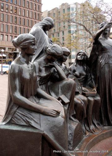 Les Muses, Place d'Youville, Québec
