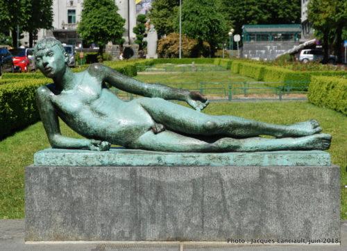 Poète allongé, Bergen, Norvège