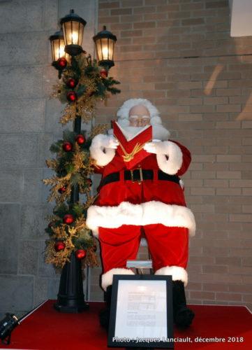 Père Noël du pôle Nord, parcours des pères Noël du Centre de commerce mondial de Montréal