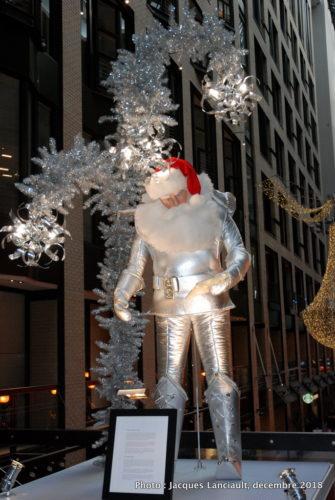 Père Noël du XXIe siècle, parcours des pères Noël du Centre de commerce mondial de Montréal