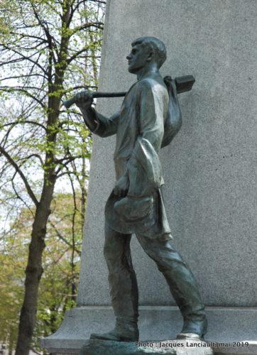 Monument au curé Labelle, Alfred Laliberté place Curé-Labelle, Saint-Jérôme, Québec