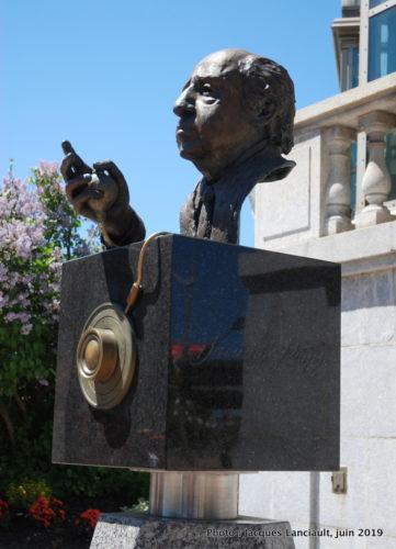 Monument Yousuf Karsh, Ottawa, Ontario