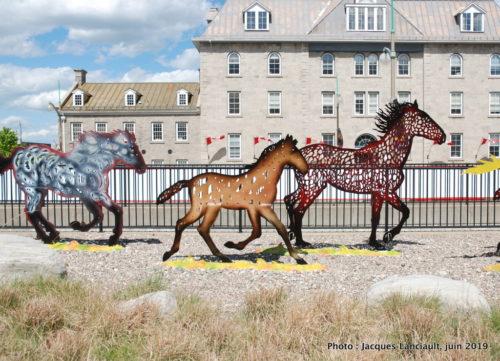 Chevaux au galop, Joe Fafard, Musée des beaux-arts du Canada, Ottawa, Ontario