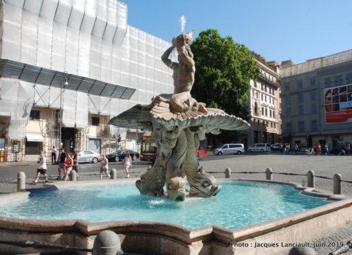Fontana del Tritone, Rome, Italie