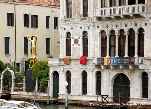 L'Homme qui mesure les nuages, Ponte dell'Accademia, Venise, Italie