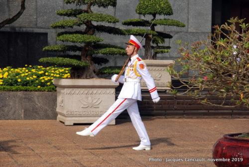 Changement de la garde, mausolée de Hô Chi Minh, Hanoï, Vietnam