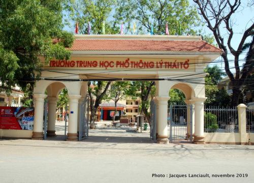 Lycée Li Thai To, Dinh Bang, Vietnam