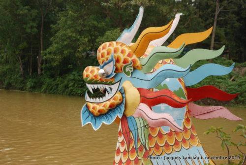 Bateau-dragon, rivière des Parfums, Hué, Vietnam