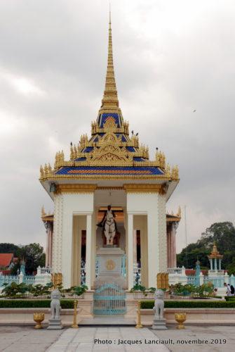 Statue équestre de Norodom, palais Royal, Phnom Penh, Cambodge