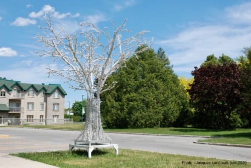 Arbre stylisé, Blainville, Québec