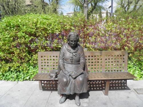 Elena Martín Vivaldi, Avenida de la Constitución, Grenade, Andalousie, Espagne