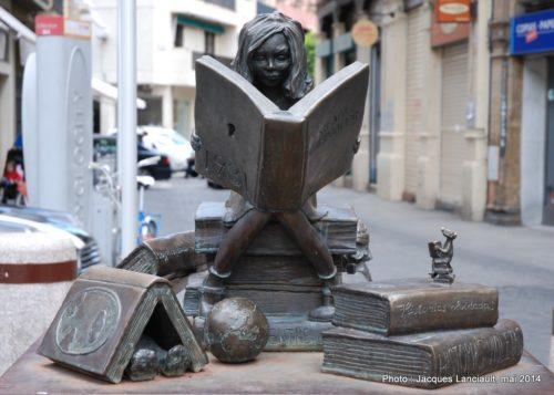 Monument Clara Campoamor, Séville, Andalousie, Espagne