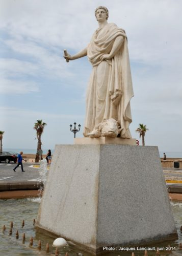 Statue de Lucio Cornelio Balbo le Jeune, Cádiz, Andalousie, Espagne