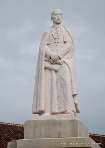 Monument Francisco Gomes de Avelar, Faro, Algarve, Portugal