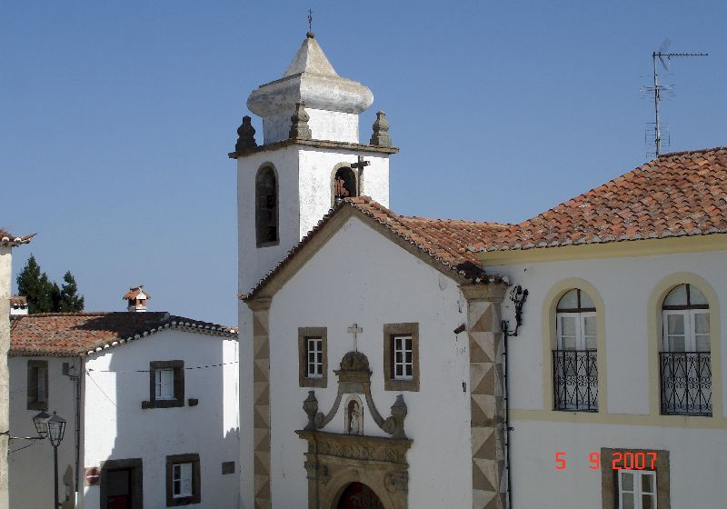 Clocher de l'église Santa Maria, Marvão au Portugal.