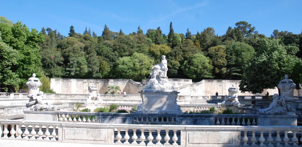 Les jardins de la fontaine la tour magne une magnifique for Le jardin zen nimes