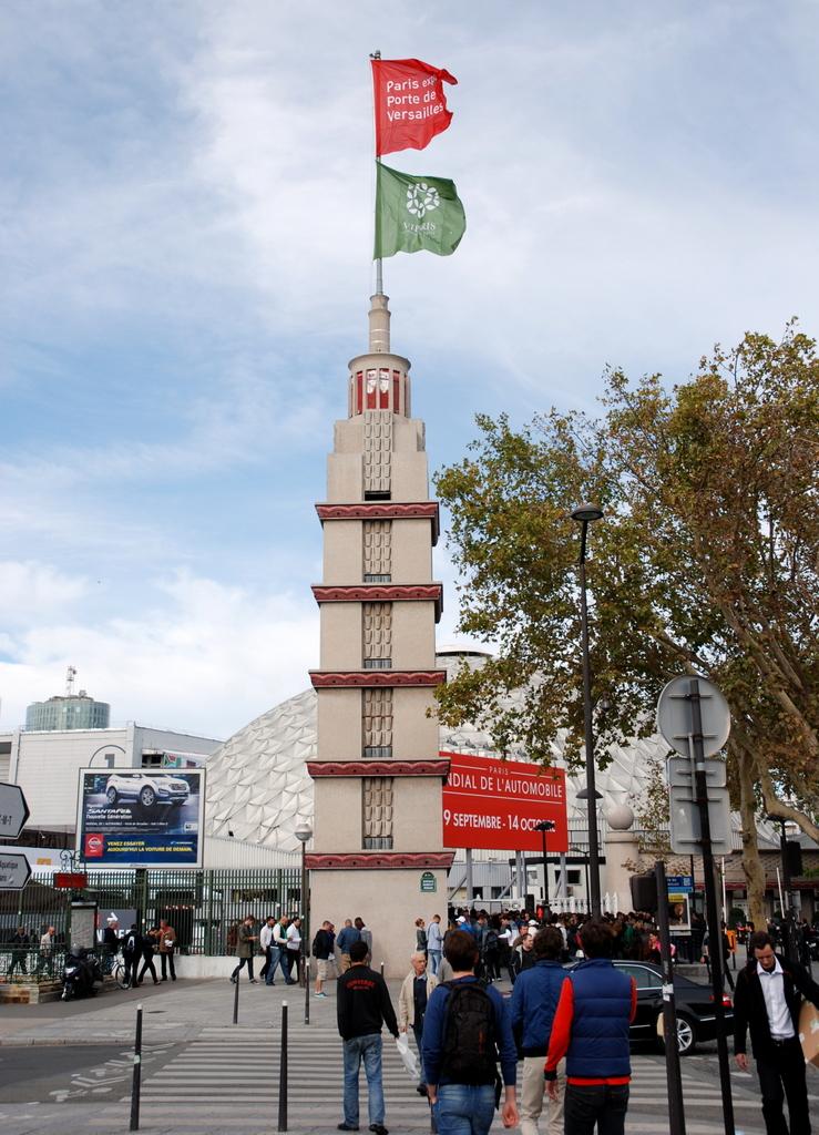 Depuis 123 ans la tour eiffel domine paris - Brasserie porte de versailles ...