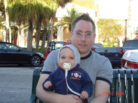 Sur un banc avec mon papa à  St.Armand Circle.