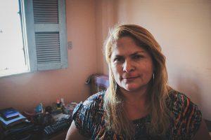 Foto - Adriana Rodrigues criou uma associação de esposas de policiais no Ceará (Foto: Fernanda Moura/Tribuna do Ceará)