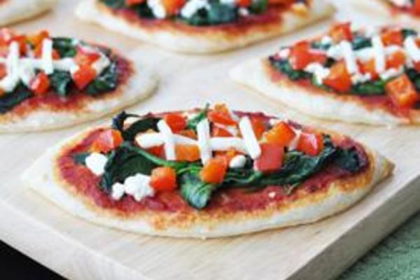 Football_spinach_pizzas