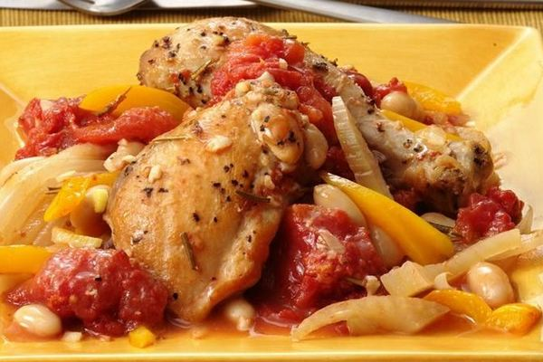 Braised_chicken_with_fennel_and_white_beans
