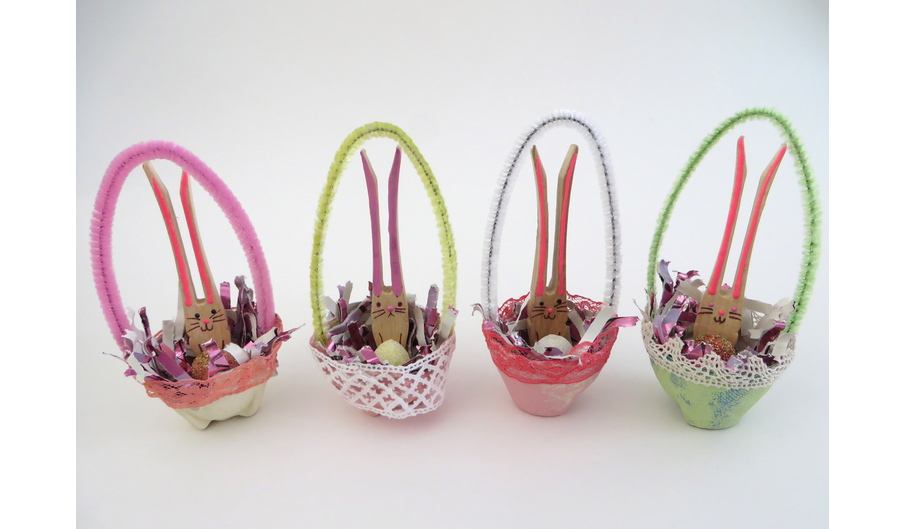 Small Easter Baskets with Bunny