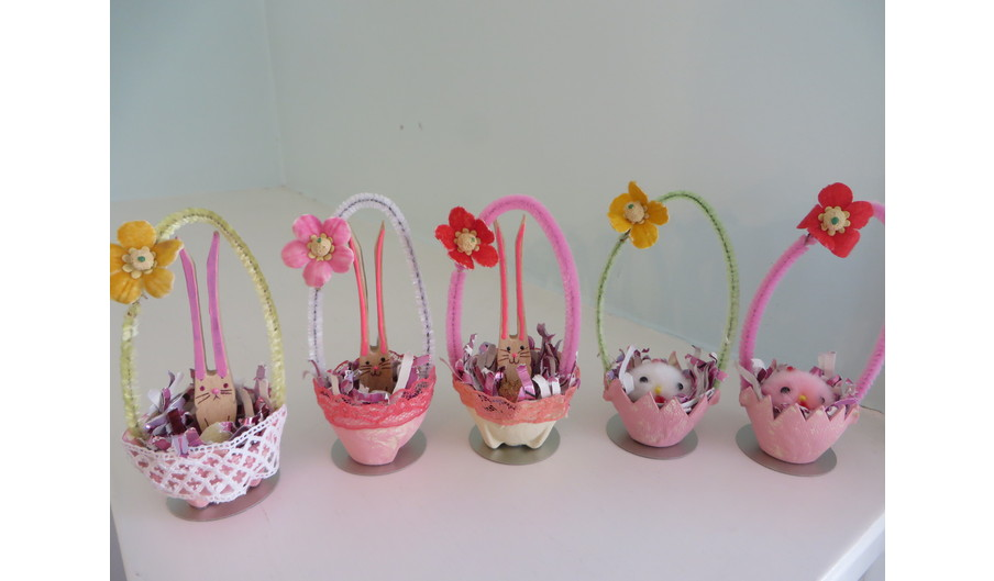 Small Easter Baskets with Bunny or Chick