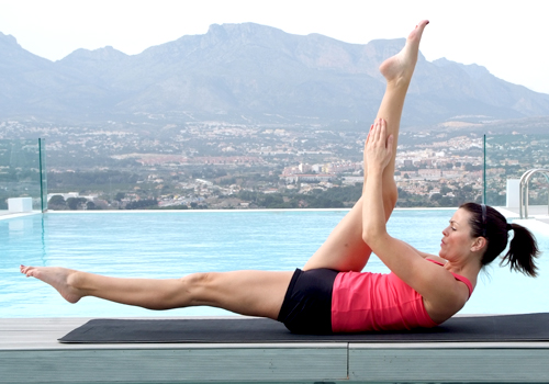 Pilates -  Single Straight Leg Stretch