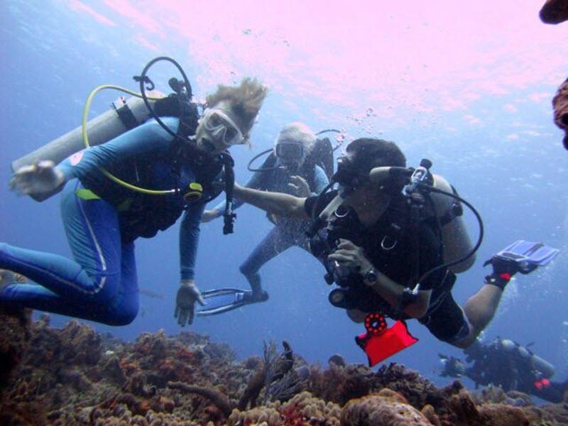 FOTO 2Con Sylvia y Jean Michel
