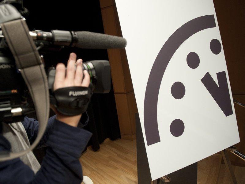 Foto 1 Doomsday Clock