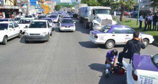 taxistas cierran cuernavaca