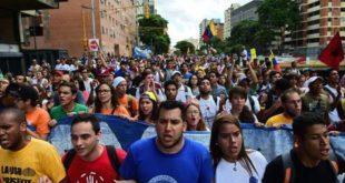 marchan-universitarios-en-venezuela