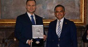 Mancera-Ministro de Polonia