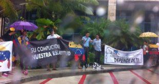 protestan-OEA