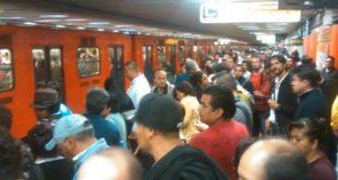 Buenas noches, se implementa marcha de seguridad en #L3, se envían trenes vacíos a estaciones con mayor afluencia de personas.— MetroCDMX (@MetroCDMX) 19 de agosto de 2017