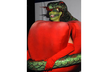 Heidi Klum as the apple and the serpent!
