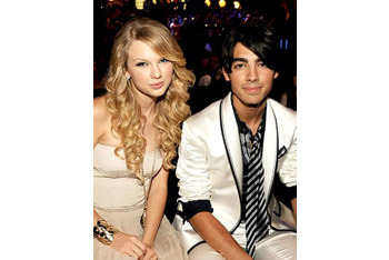 Joe Jonas and former flame Taylor Swift