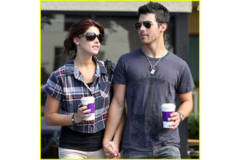 With new girlfriend Ashley Greene