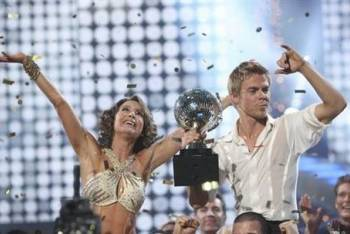 Dancing with the Stars winner - Jennifer and Derek