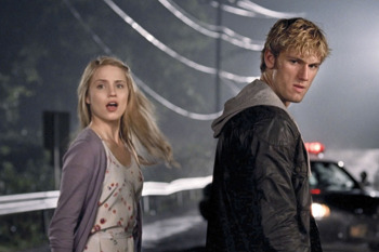Alex Pettyfer and Dianna Agron in I Am Number Four