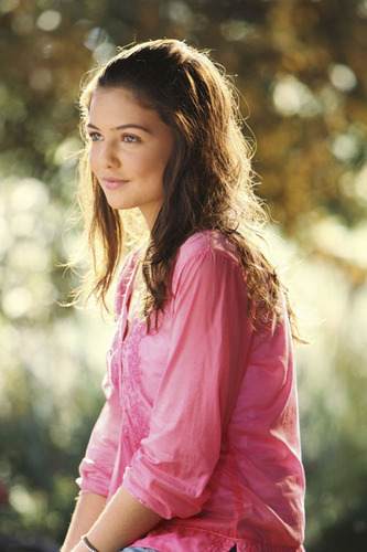 Danielle Campbell in Starstruck