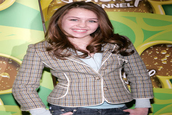 The Disney star promotes her show Hannah Montana in 2006