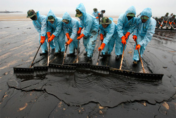Cleaning up an oil spill is hard